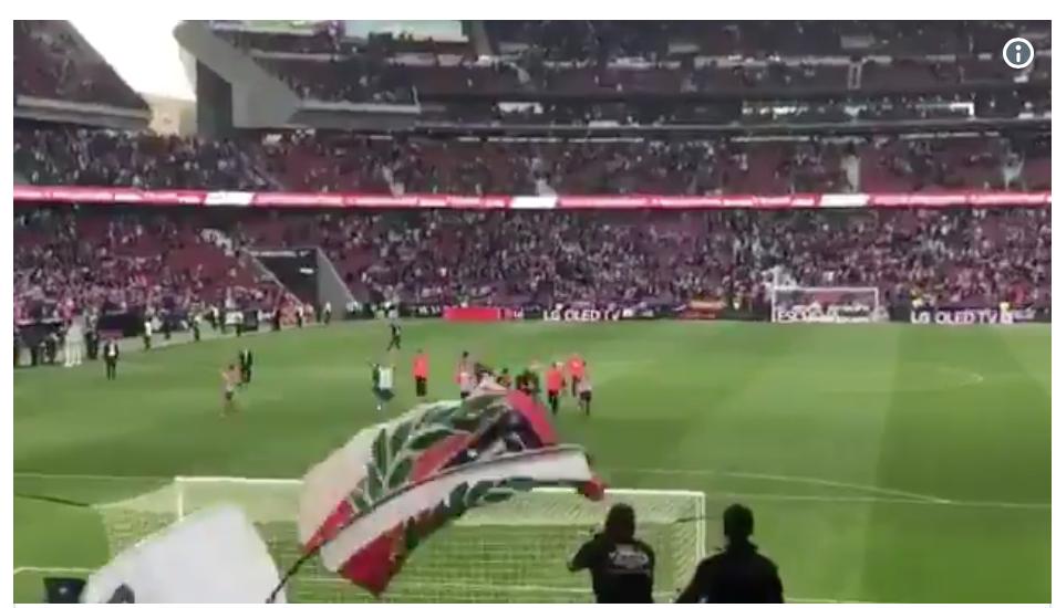 EMOCIONANTE: Así dieron la vuelta de honor los jugadores del Atlético para recibir ánimos 1